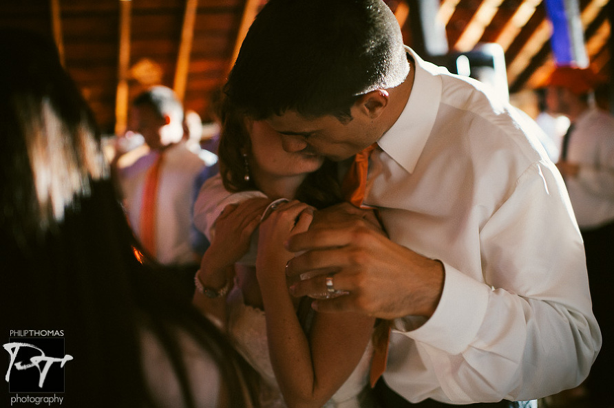 Coupe embrace at Willow Creek Farm. Photo by Philip Thomas Photography